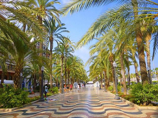 Alicante-Paseo-de-la-Explanada