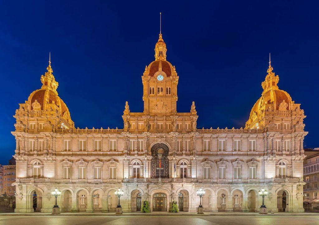 Ayuntamiento-A-Coruña-transfers-aeropuerto-bookroad